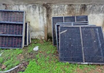 8 Windows iron rods with mesh and Burgler proof + glass lourves