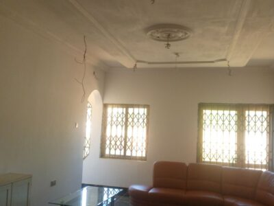 Seven bedrooms house for rent at Gbewa, topbase