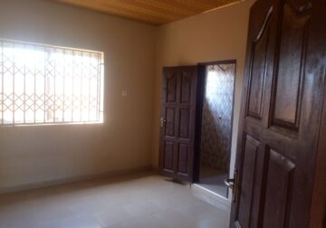Chamber and hall self-contained for rent at Nungua – Ravico
